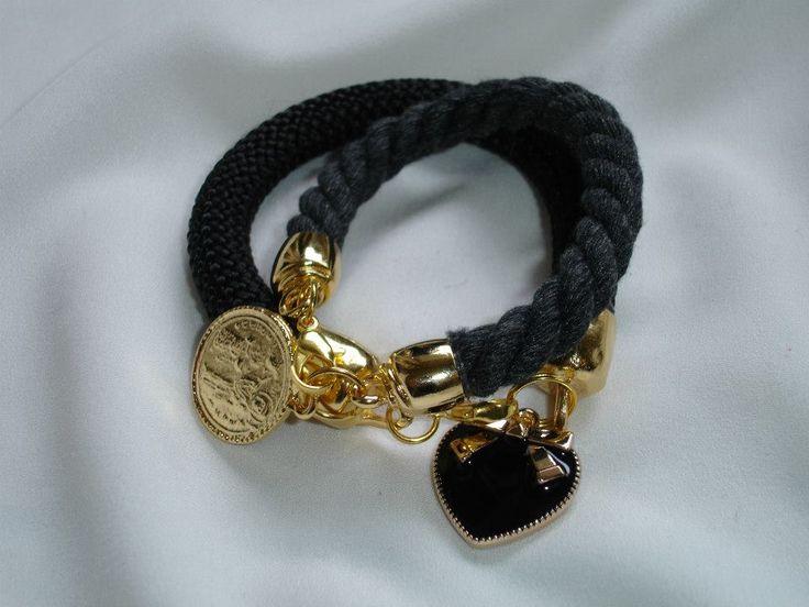 Βραχιόλια με κορδόνι και διακοσμητικά. Bracelets with cord and charms. Τιμή: 8 € το ένα Κωδικός: 24113/2