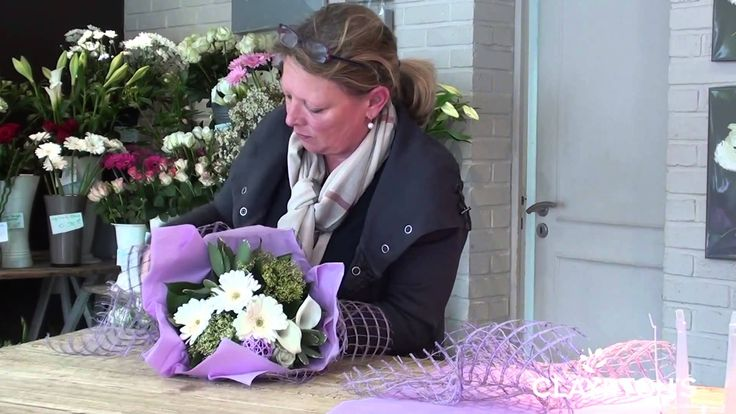 Bulle d'eau smooth et papagayo #bouquet #purple #wrapping #giftflowers