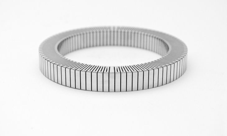 FLEX Bangle by Krisztián Ádám (Metal Design faculty)
