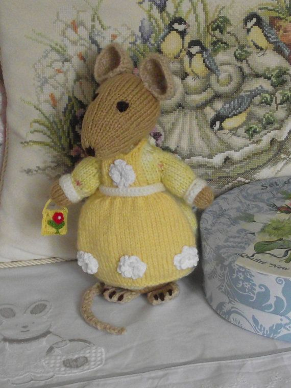 Amigurumi Peter Rabbit : 64 best images about Beatrix Potter on Pinterest Mini ...