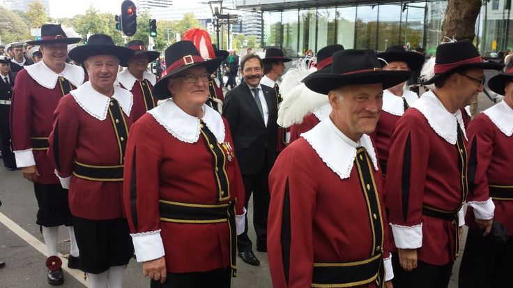 Prinsjesdag - De Limburgse Gouverneur marcheert mee