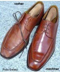 der Schuh wurde gepflegt mit der Burgol-Schuhpomade in Kastanie und anschließend mit der Palmenwachsschuhcreme in mittelbraun versiegelt.