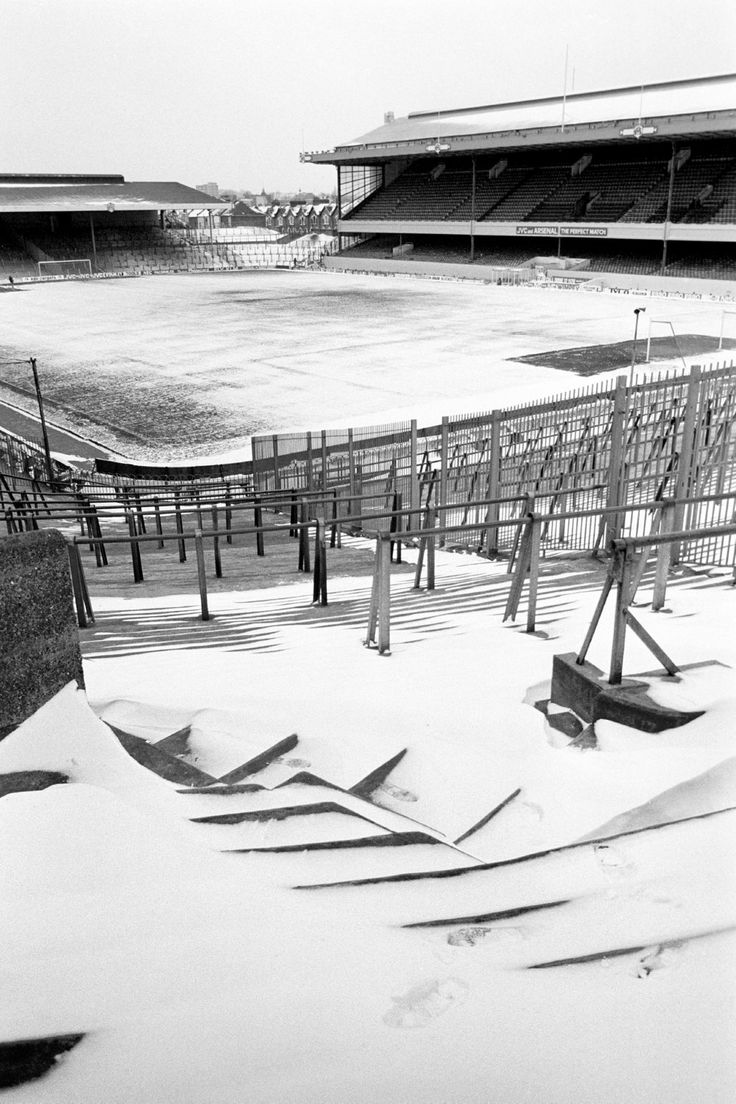 Highbury all covered in snow, Jan 1987