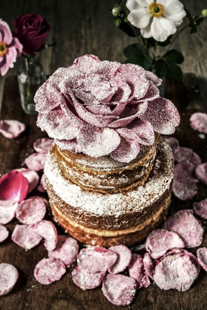 they say that cardamom is the queen of spices so i decided to make a cake worthy of a queen, i also added rosewater and orange to create this cake. i made a genoese sponge as i find it great for bu…