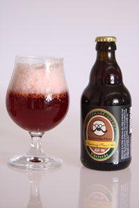 Alkemisten 5,0%, Blueberry Sour Ale / Alkemisten är en härligt rödblå, frisk syrlig sour ale, rikligt smaksatt med blåbär från de svenska skogarna. Lagrad under lång tid för den maximala smakutvecklingen. Bygger på receptet av Erik Olofsson som vann nordi
