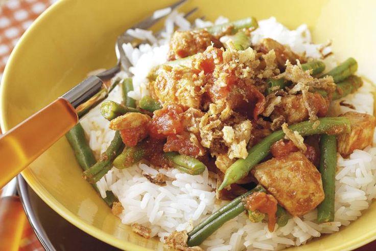 Kijk wat een lekker recept ik heb gevonden op Allerhande! Indische kip met rijst en boontjes