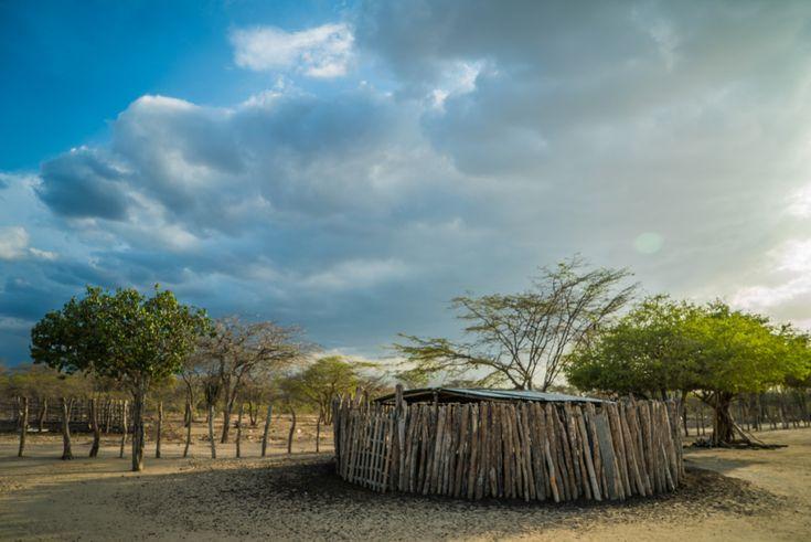 Los Wayuu son la cultura indígena que habita en la zona de la Guajira, en Colombia. Acompaña a nuestro aventurero Iosu y conoce sus costumbres y tradiciones