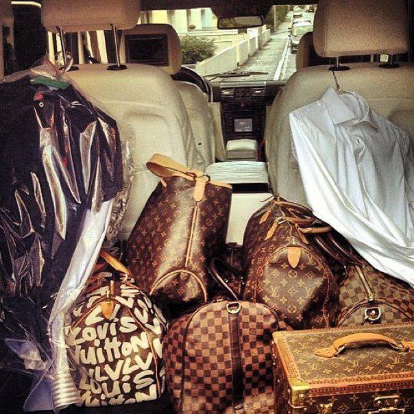 LouisVuitton luggage