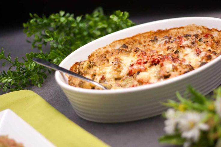 Der Brokkoli-Tomaten-Auflauf ist ein leckeres low-carb Gericht ganz ohne Aufwand. Es ist einfach und schnell gemacht. und schmeckt dazu auch noch gut.