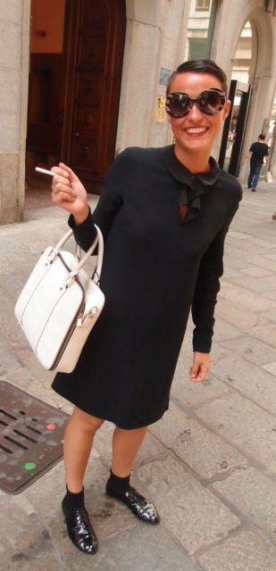 ミラノ高級ファッションストリートVia Della Spiga Fashion Flight: Milan Style: Bright color, Big glasses, and sexy skin