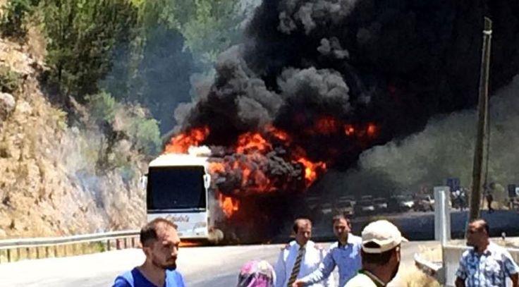 """Isparta 'da yolcu otobüsünde yangın  """"Isparta 'da yolcu otobüsünde yangın"""" http://fmedya.com/isparta-da-yolcu-otobusunde-yangin-h49585.html"""