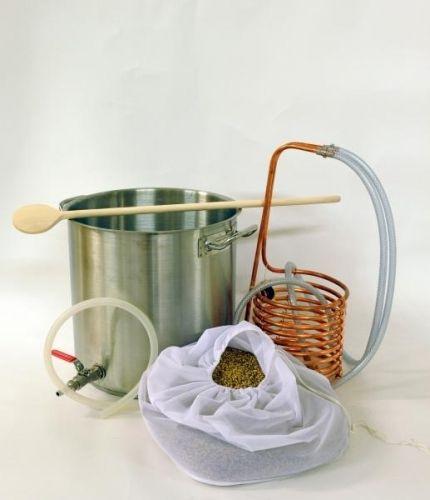 """Brew-in-bag (BIAB) utstyr sett  Brew in bag (brygg i pose) er den enkleste og billigste måten å komme i gang med all-grain ølbrygging på. Du både mesker og koker i samme kjele. Dette utstyret egner seg perfekt til å brygge 25L batcher med øl, kombinert med nybegynnersettet så har du allt du trenger for å brygge fullverdige maltbrygg.  Inneholder:-Tykkbunnet kjele 36L med tappekran 1/2"""" (laget for induksjon, funker på alle varmekild..."""