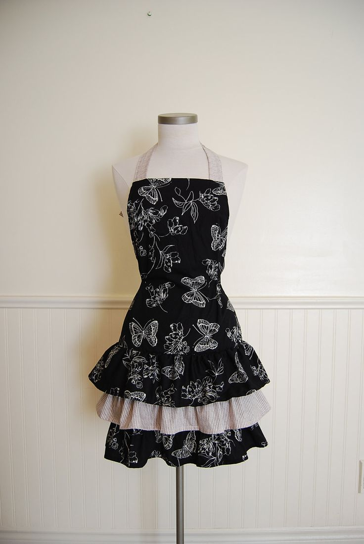 White half apron ruffle - Womans Fitted Full Apron With Black And White Butterflies And 3 Bottom Ruffles