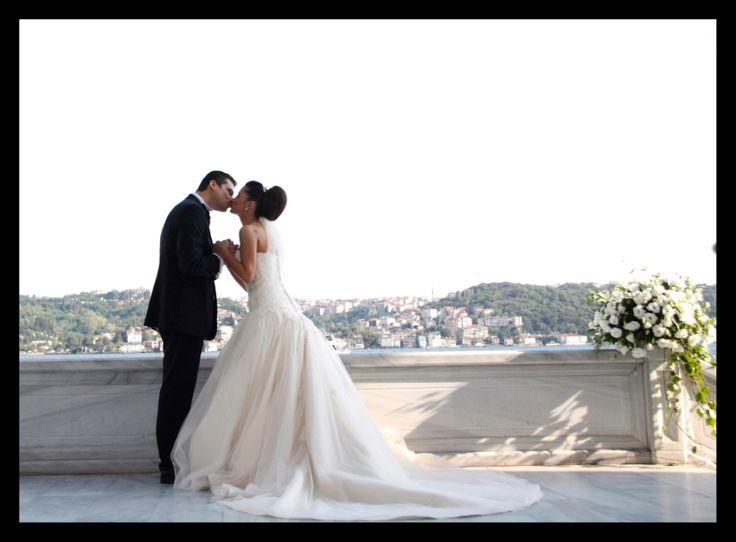 Romantic shoots on a Bosphorus wedding by Hazel Tuncer...