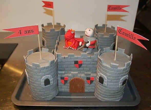 Les 25 meilleures id es de la cat gorie gateau chateau - Chateau de mike le chevalier ...