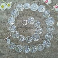 flowers from recycled plastic bottles by Catena- Czech