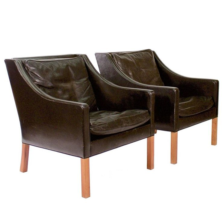 Pair of Model 2207-22 Black Leather Armchairs by Borge Mogensen | From a unique collection of antique and modern armchairs at https://www.1stdibs.com/furniture/seating/armchairs/