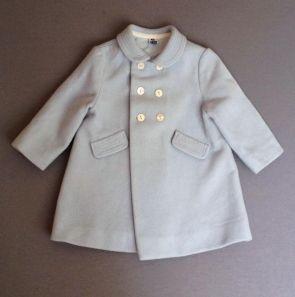 Abrigo de paño de lana azul claro. Zara. 9-12 m. 10,60€