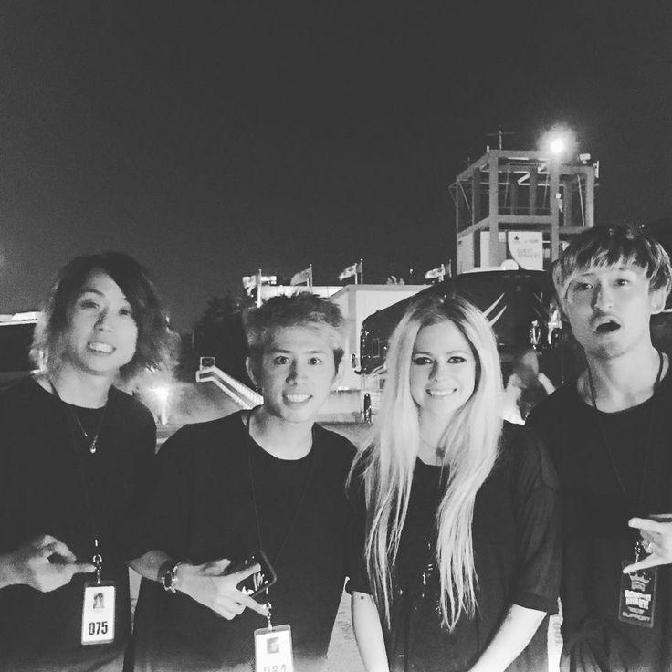 Avril & ONE OK ROCK