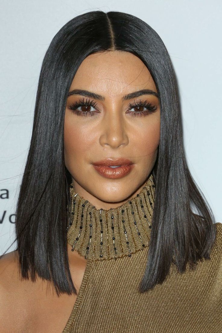 40 spectacular blunt bob hairstyles the right hairstyles - Kim Kardashian Went All Cleopatra On Us Debuting Her Sleek New Super Straight Bob At The The Promise Premiere