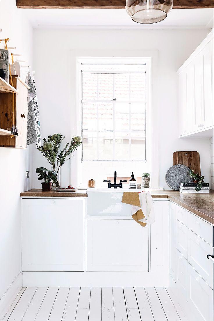 How To Create A Greyscale Bathroom: 1000+ Ideas About Dark Green Bathrooms On Pinterest