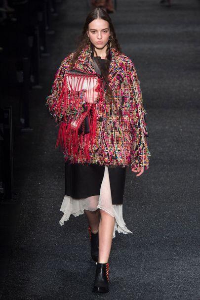 Alexander McQueen Autumn/Winter 2017 Ready to wear Collection | British Vogue