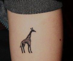 tiny giraffe tattoo - Google Search