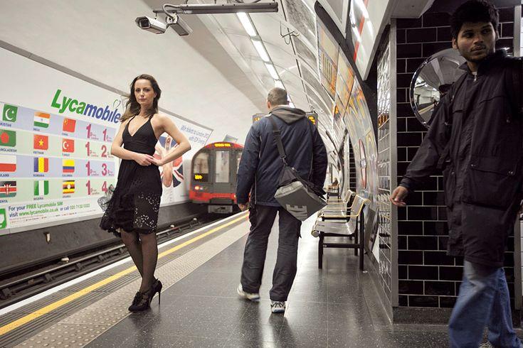 Train station girl - GIF we like