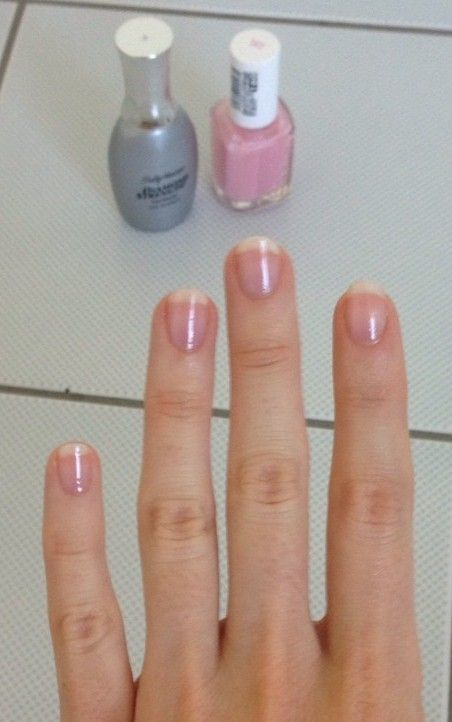 Nails that look fresh from a very expensive manicure (that's DIY)!