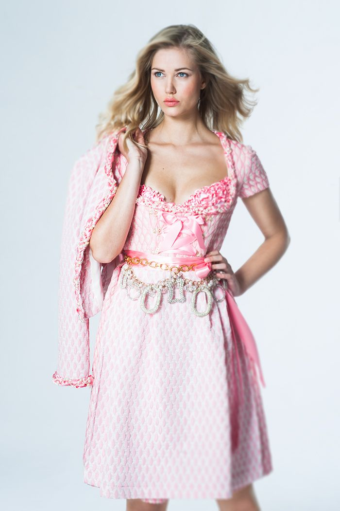 How to wear a belt with a Dirndl. Super sweet belt by Ophelia Blaimer