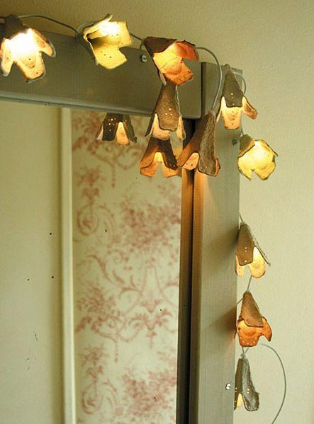 lege eierdozen gebruiken om een mooi lampensnoer te maken