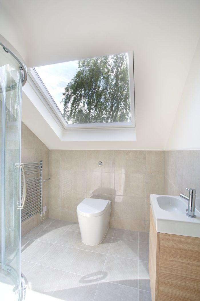 Kleines Badezimmer Gestalten 30 Fliesen Ideen Und Tipps Dachboden Dusche Badezimmer Dachgeschoss Badezimmer Klein