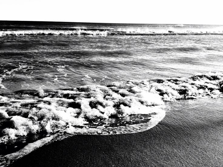 #photography #black and white #ocean #sea #water #light contrast #art #artleanda    artleanda.com