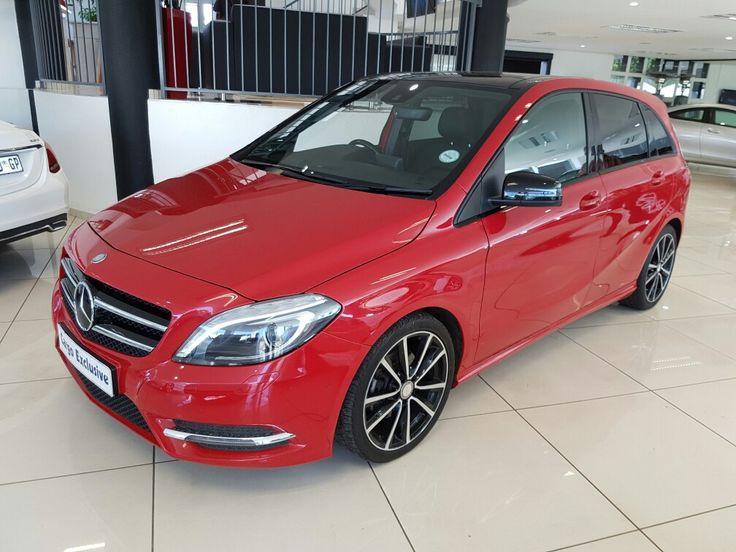 As beautiful as it is practical, it's the perfect car for every occasion, with features such as reversing camera, active park assist, LED headlights, panoramic sunroof, adaptive high beam assist, intelligent lights system, avantgarde suspension, sports package and night package... All this for only R339900.00 #instacar #instadaily #instagood #f4f #stock #mercedes #dealership #workinghard #cargomotors #bclass