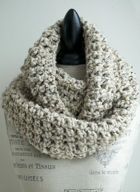 Soft chunky crochet infinity scarf in Oatmeal door PikaPikaCreative, $56.00
