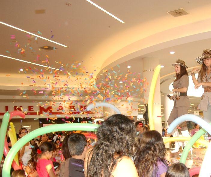 Show de Safari para el Open Plaza Angamos