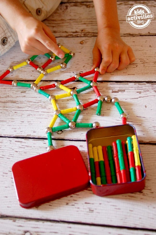 Playing with Magnetics Building Sets - creative toys.