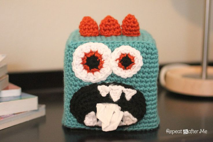 Repeat Crafter Me: Crochet Monster Kleenex Box Cover    Do you see the tissues coming out of the monster's mouth??