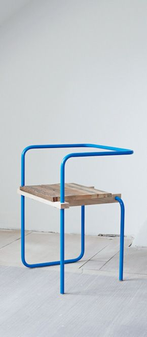 By Tomás Alonso. Interesting chair, I would say children`s chair, but can be use as a visitors chair. This chair can be place in a playing area or in a waiting room. Made of metal and wood or ply.