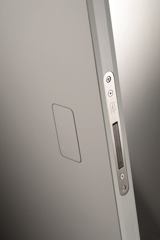 NO-HA la nueva manilla invisible...coolest door ever #doorpassion #arcon #handles #locks #cerraduras