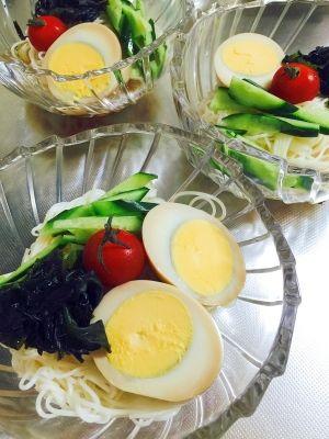 「小腹が空いたら☆ちょこっと小鉢の具沢山そうめん」お休みの日、ちょっと小腹が空いた時にぴったりの小鉢素麺です。煮卵でボリュームもアップさせて食べ応えもありますよ~(^^♪【楽天レシピ】