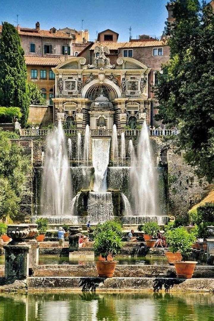 Les jardins de la Villa d'Este à Tivoli, les plus dantesquesInscrite au patrimoine mondial de l'UNES... - Vanity Fair