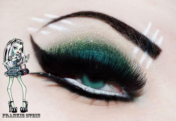 Frankie Stein Eye makeup ( monsters high if anyone was wondering )