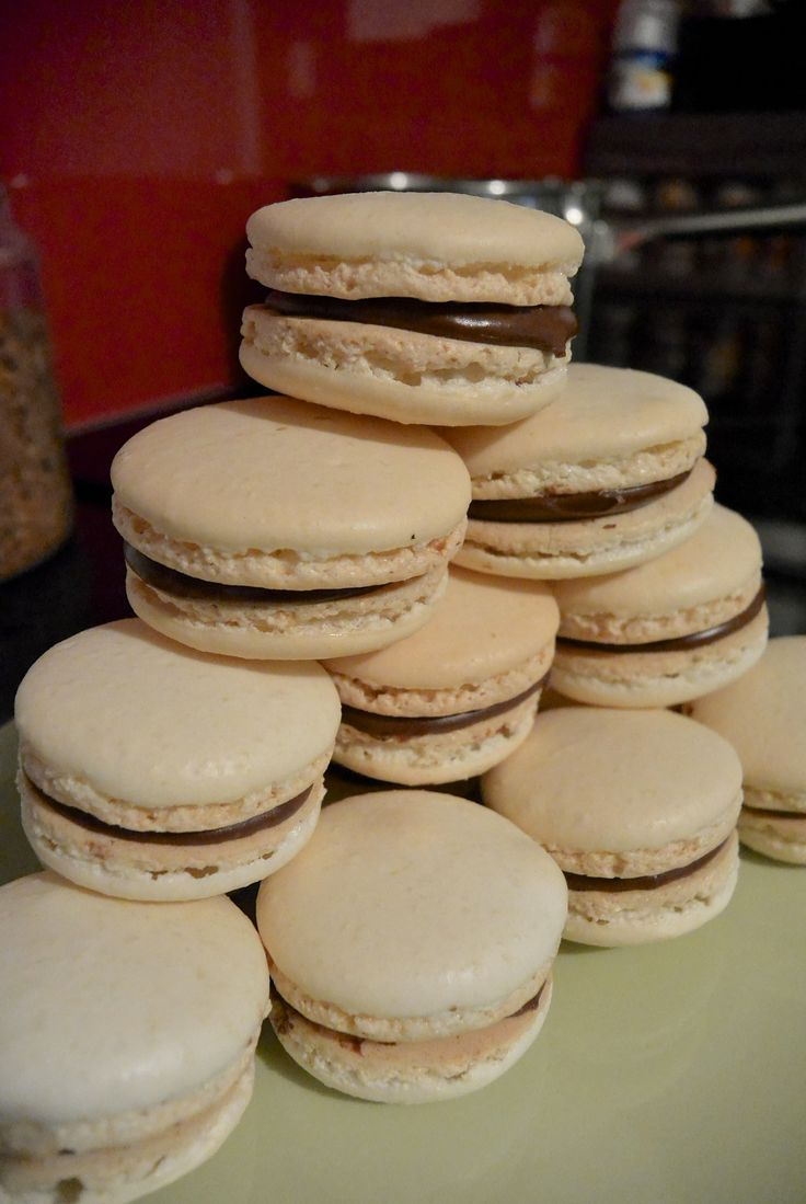 Nutella Macarons #bellesbybella #macarons