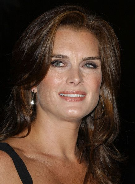 nip tuck season 3 images | nip tuck season 4 in this photo brooke shields season four premiere ...