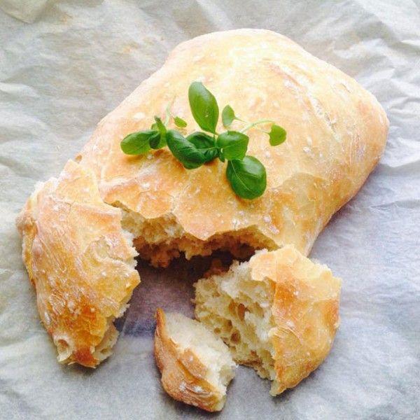 Tienes que probar la receta para este sabroso pan con queso y tomate sin gluten