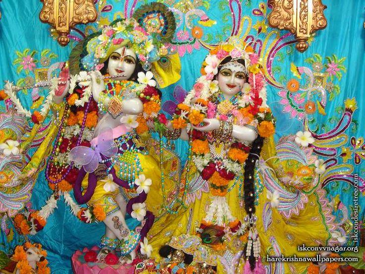 Sri Sri Radha Giridhari Wallpaper   Click here to get more sizes...http://harekrishnawallpapers.com/sri-sri-radha-giridhari-iskcon-vallabh-vidyanagar-wallpaper-008/   TO SUBSCRIBE: http://harekrishnawallpapers.com/subscribe/