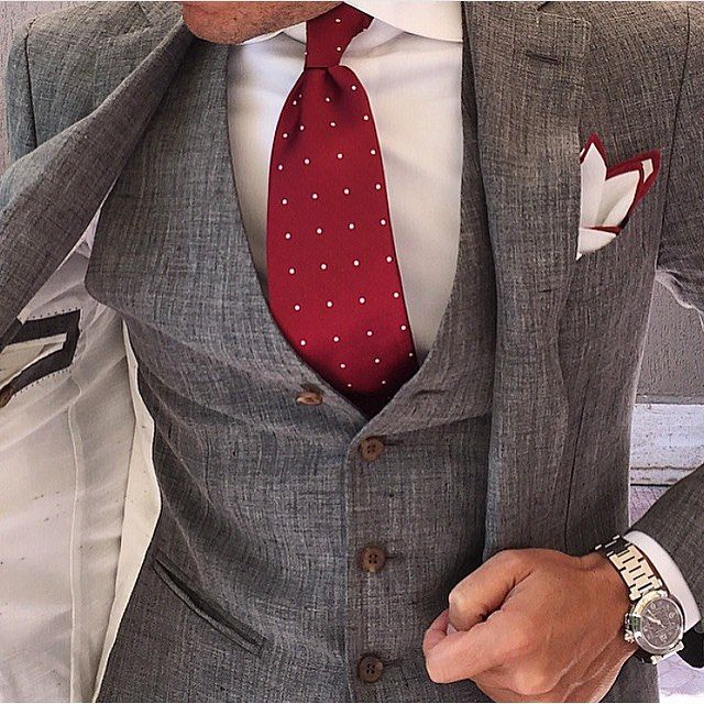 Mr Danielre wearing the OTAA Maroon Polka Dots Necktie with a Maroon White Cotton Pocket Square Daniel Rech #sosharp #otaa #thebrothersato