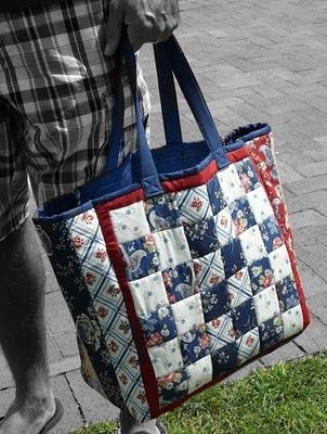 Tutorial for a quilted bag using part of a jelly roll.