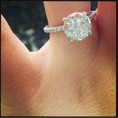 diamond solitaire engagement ring- GORGEOUS~ Don't mind if I do!!